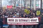 Österreich: Zehntausende demonstrieren gegen #SchwarzBlau