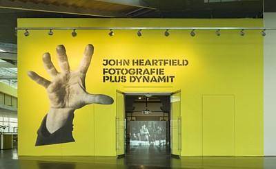 John Heartfield Ausstellung Fotografie plus Dynamit
